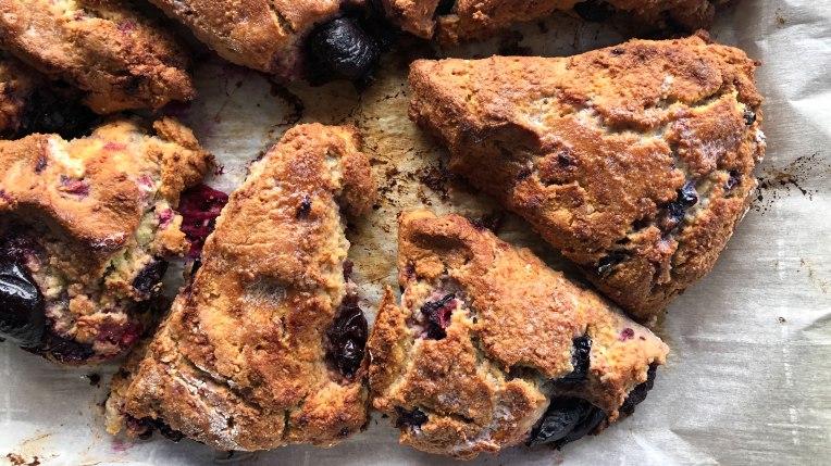 almond-flour-scones-tout